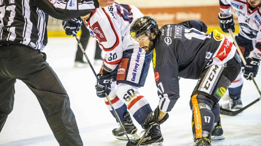 Dornbirn, Österreich, 17.9.2017, Sport, Eishockey, Erste Bank Eishockey Liga - Dornbirner Eishockey Club vs KHL Medvescak Zagreb. Bild zeigt Scott Timmins (DEC).  17/09/17, Dornbirn, Austria, sport, Ice Hockey, Erste Bank Eishockey Liga - Dornbirner Eishockey Club vs KHL Medvescak Zagreb. Image shows Scott Timmins (DEC).